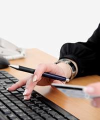 Empresas facilitam o pagamento em lojas virtuais